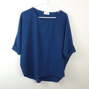 EVERLY M BLUE TABBED SLEEVE BLOUSE